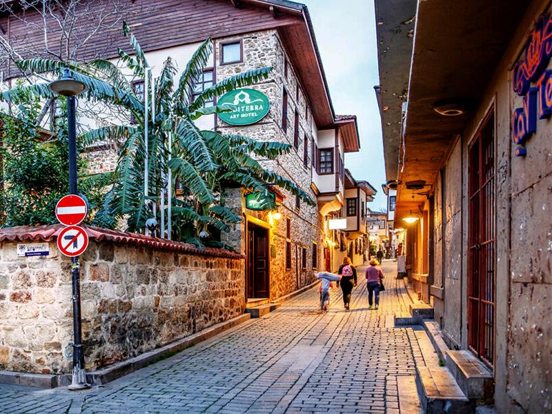 Yeryüzünün cenneti : Antalya'da gezilecek yerler